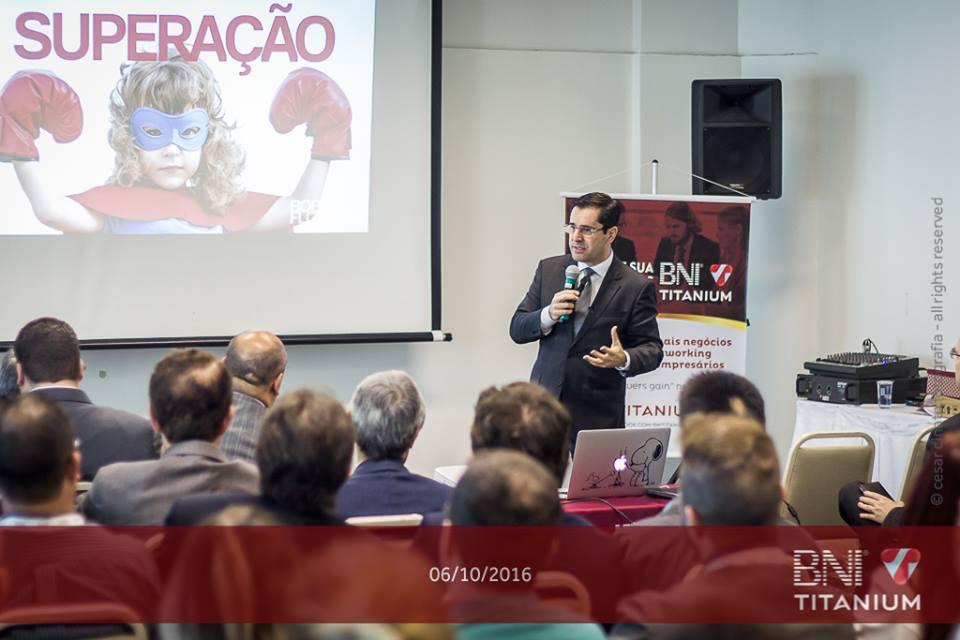 Bob Floriano palestra para membros e convidados do Grupo BNI Titanium, São Paulo